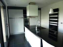 plan de travail cuisine blanc laqué cuisine blanche plan de travail noir cuisine pr l d cuisine cuisine