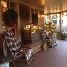 Christmas Light Decoration Ideas by Beautifully Decorated Christmas Porch Christmas Decorating
