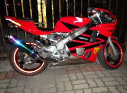 honda cbr 400 rr sportbike rider picture website