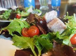la cuisine sous vide modernist cuisine sous vide tuna confit on green salad recipe