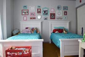 Anna White Bookcase by White Twin Bed Charlie Twin Bed In White Bedroom With Twin Beds
