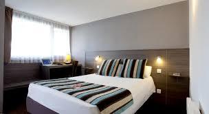 chambre d hotel moderne réserver un hôtel près de l aéroport biarritz pays basque