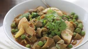 comment cuisiner les artichauts fèves en sauce avec petits pois et artichauts tbikha recette par