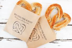 pretzel bags for favors wedding favors the ultimate guide chic stylish weddings