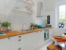 photo cuisine blanche cuisine blanche et plan de travail bois style scandinave lzzy co