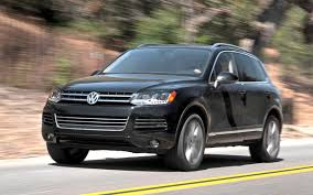 volkswagen touareg 2011 volskwagen touareg mid size crossover suv pictures and specs