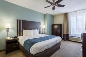 Comfort Inn In New Orleans Comfort Suites Hotel In New Orleans La Book Now