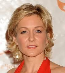 amy carlson new short haircut on blue bloods amy carlson celebrity tvguide com hair styles pinterest
