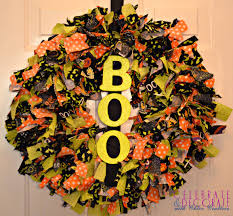 creepy home decor diy halloween door decor make something mondays boo haammss