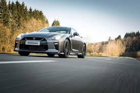 nissan gtr r35 2017 2017 nissan gt r first drive review