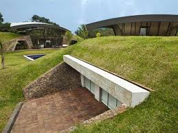 top 10 underground houses homes