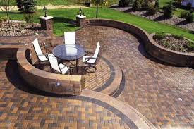 Residential Crossing Pattern Circle Patio Paver Designs - Backyard paver designs