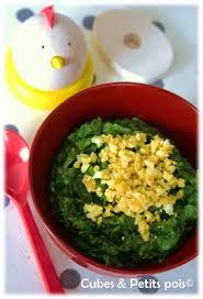 cuisiner pour bebe recette pour bébé purée d épinards et oeuf cubes petits pois