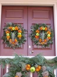 wreaths in colonial williamsburg
