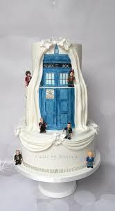 tardis wedding cake topper doctor who wedding ideas geeking out