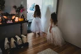 kelleigh u0026 tom u0027s modern backyard wedding nouba com au kelleigh