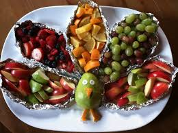 kid friendly fruit platter for school thanksgiving food