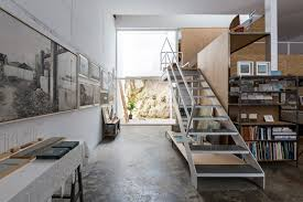 white walls for a painter living and working in gaucín detail
