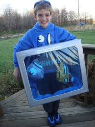 aquarium halloween costume crafty homemade halloween costume idea fish tank aquarium