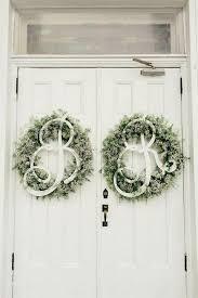 White Christmas Wedding Ideas by 35 Winter Wedding Wreaths That You U0027ll Love Happywedd Com