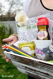 Making Gift Baskets How To Make A New Mom Gift Basket Hey Let U0027s Make Stuff