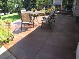 Textured Concrete Patio by Best 25 Stain Concrete Patios Ideas On Pinterest Stained