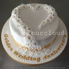 golden wedding cakes delicate daisies for a golden wedding anniversary cakes
