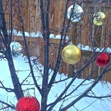 speedy decorating idea outdoor tree ornaments utr déco