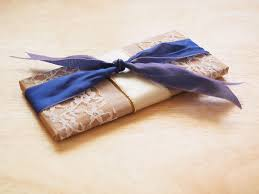 How To Gift Wrap A Present - how to gift wrap a chocolate bar in brown paper and lace 8 steps
