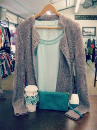 What Colors Go Good With Gray by What To Wear Wednesday September Color Combo Teal U0026 Gray