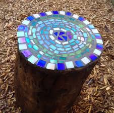garden mosaic ideas these amazing diy tree stump transformations add the perfect