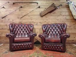poltrone vecchie divani e poltrone chesterfield vintage