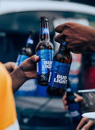 bud light gold can rules american style light lager beer bud light