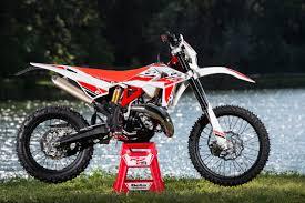 import motocross bikes dirt bike magazine friday wrap up lightweight 2 strokes