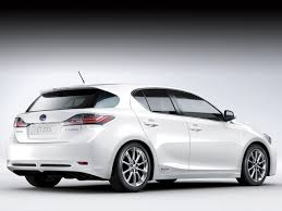 white lexus drag crash 2011 lexus ct 200h car accident lawyers pictures