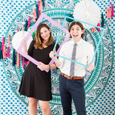 photo booth backdrops these 3 diy photo booth backdrops are for any wedding party