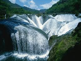 famous waterfalls in the world top 10 biggest waterfalls in the world with all of their details