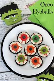 Eyeball Appetizers For Halloween by Oreo Eyeballs Easy Halloween Party Treat Mom Foodie