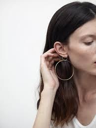 grande earrings large gold hoop earrings grande cerchio lia di gregorio
