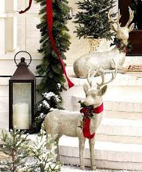 Silver Reindeer Decorations For Christmas by Christmas Decoration With Reindeer Http Www Decorazilla Com