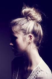 Hochsteckfrisurenen Unordentlich by Die Besten 25 Haar Sock Haarknoten Ideen Auf