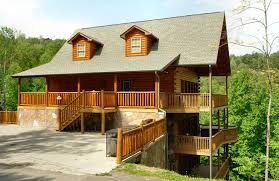 redneck home decor redneck ritz 724 cabin in gatlinburg w 7 br sleeps20