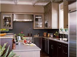cuisine blanche mur framboise deco cuisine mur decoration cuisine mur mur d armoire cuisine