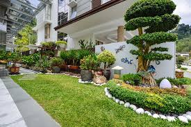 bungalow house design with terrace prissy design bungalow garden design terrace exprimartdesign com