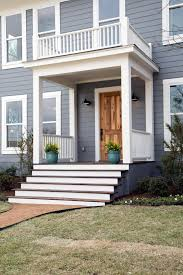 Hgtv Exterior House Colors by Fixer Upper Tackling