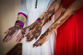 7 places in delhi where you can find the best mehendi artists of