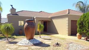 House With 2 Bedrooms Three Bedroom House With 2 Bedroom Flat To Rent In Kleinbron