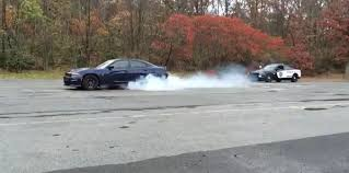 charger hellcat burnout 2015 dodge charger srt hellcat burnout fun torque news