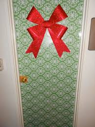 christmas door wrapping paper wrap your room door with paper and slap a bow on it