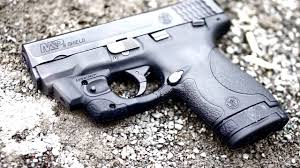 m p shield laser light combo m p shield 9mm with lasermax laser review youtube